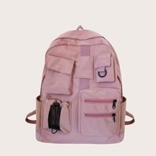 Grosser Rucksack mit Taschen vorn