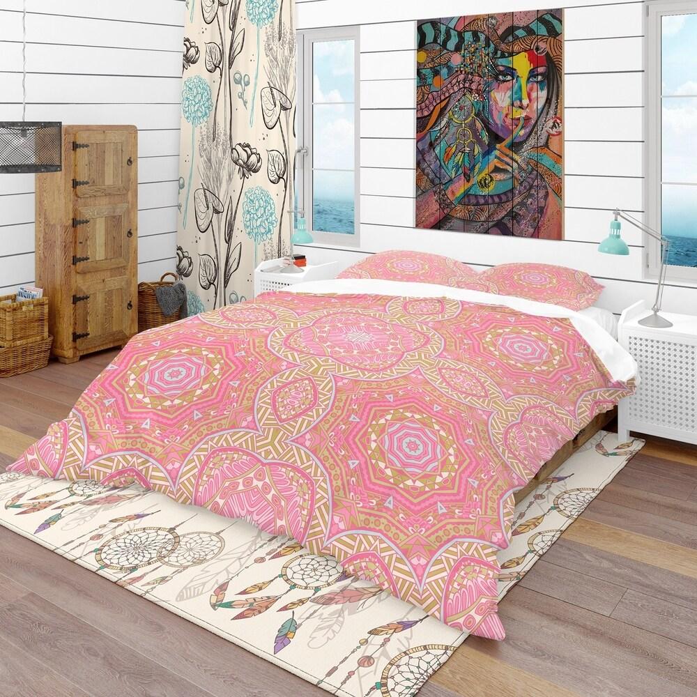 Designart 'Pink and Green Star Mandala' Bohemian & Eclectic Bedding Set - Duvet Cover & Shams (Full/Queen Cover +2 Shams (comforter not included))