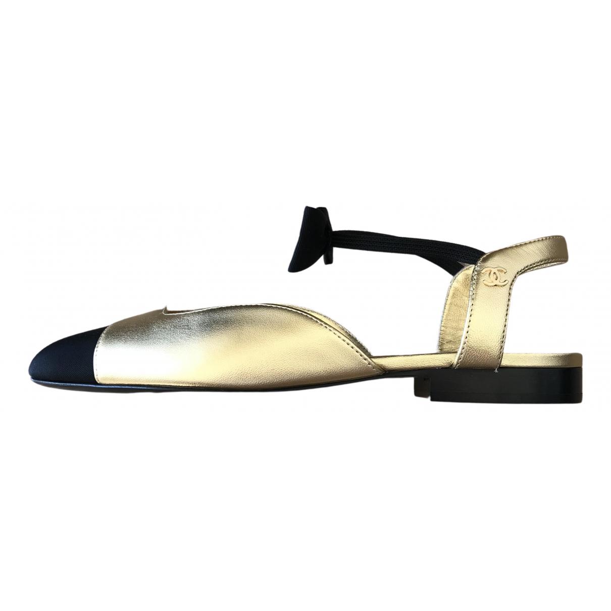 Chanel Slingback Ballerinas in  Gold Leder