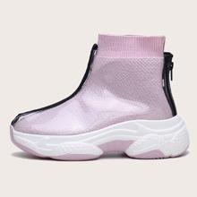 Sneakers mit PVC Abdeckung