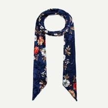 Schmaler Schal mit Blumen