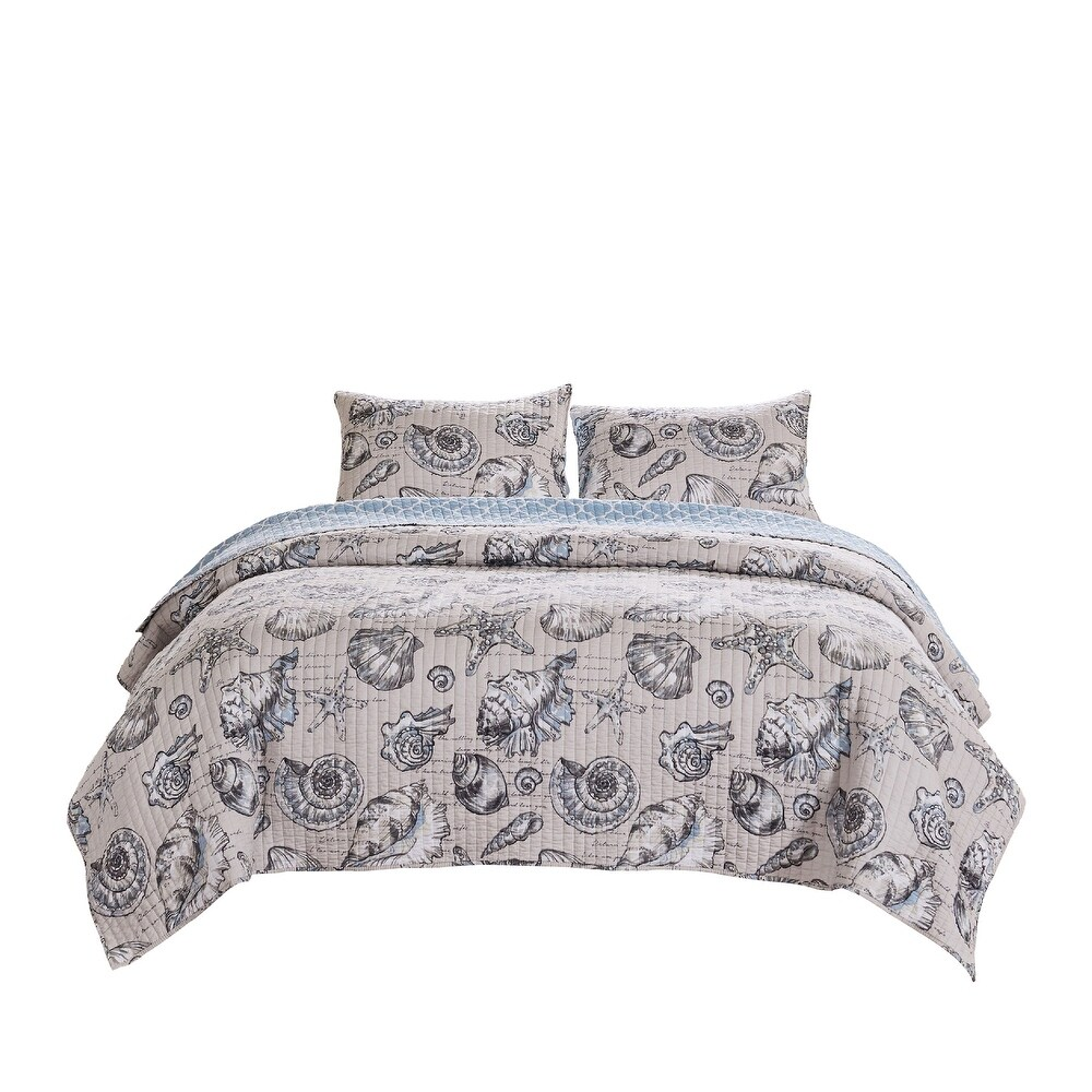 3 Piece Queen Quilt Set with Seashell and Starfish Print, White and Gray (White - Queen)