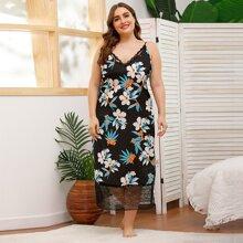 Slip Kleid mit Blumen Muster und Spitzenbesatz