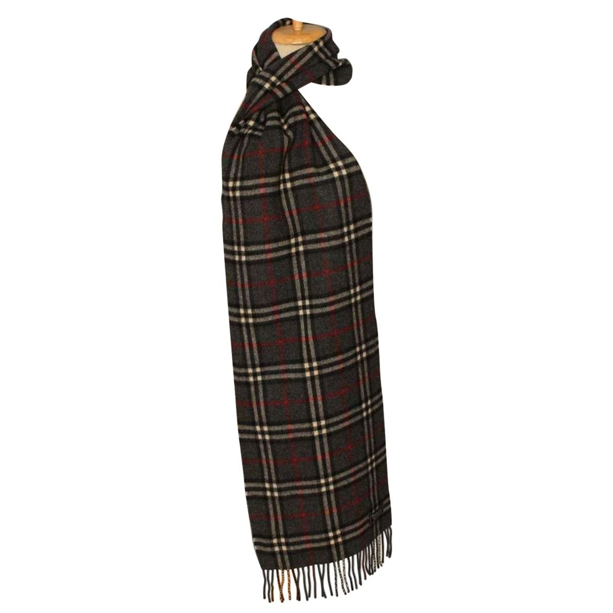 Burberry - Cheches.Echarpes   pour homme en laine - gris