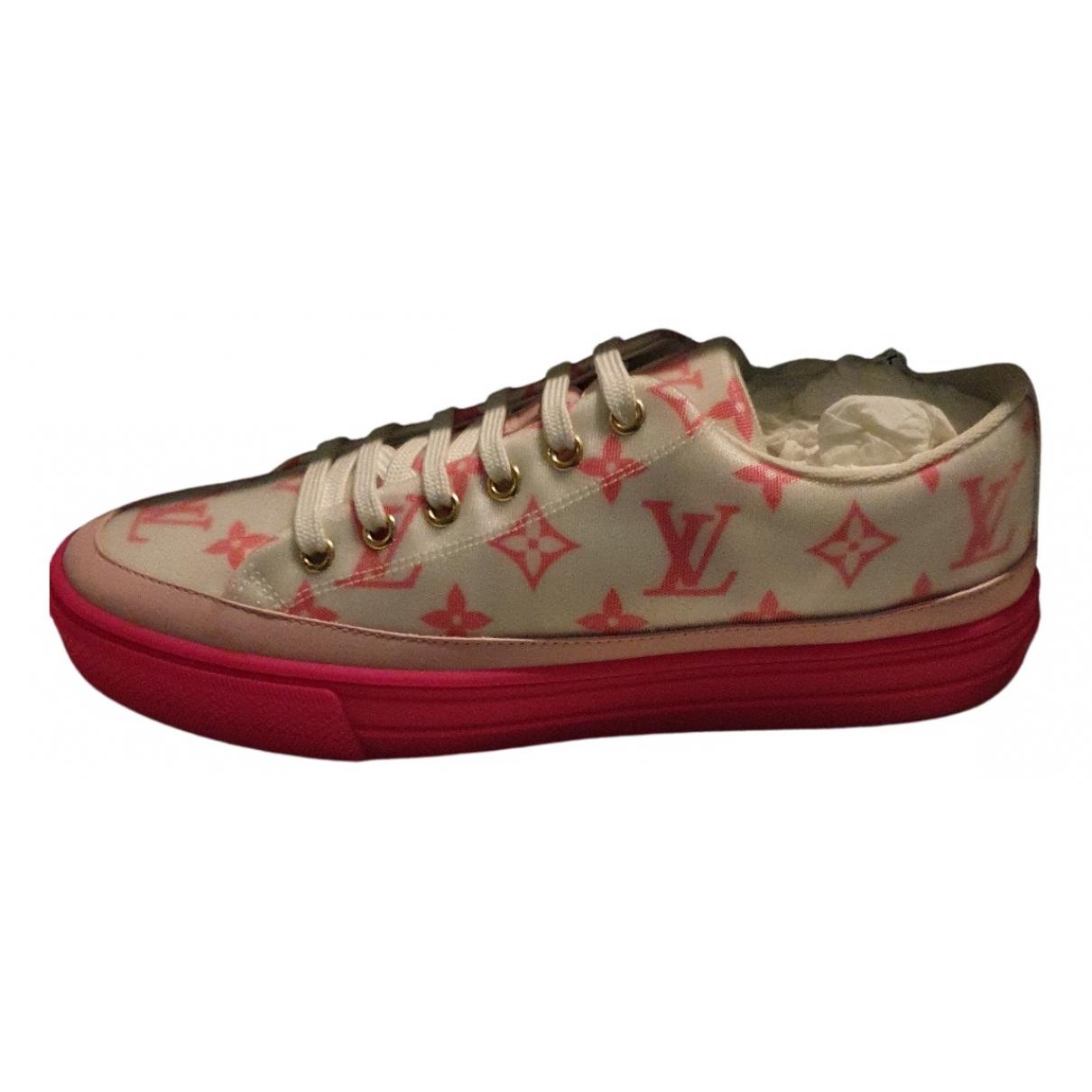 Louis Vuitton TimeOut Sneakers in  Rosa Leinen
