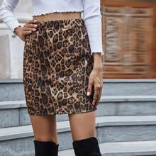 Mini Rock mit Leopard Muster und geradem Beinschnitt