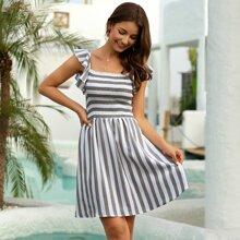 Kleid mit Raffungsaum und Streifen