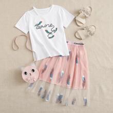 Camiseta de niñitas con estampado tribal con falda con malla bordado con pluma
