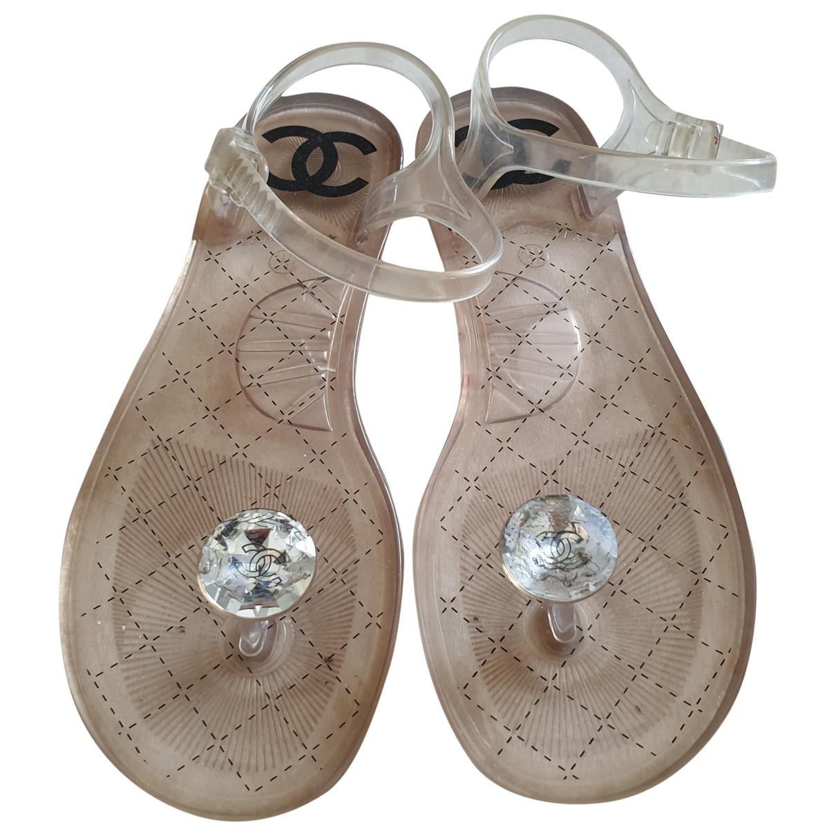 Chanel \N Sandalen in  Beige Kunststoff