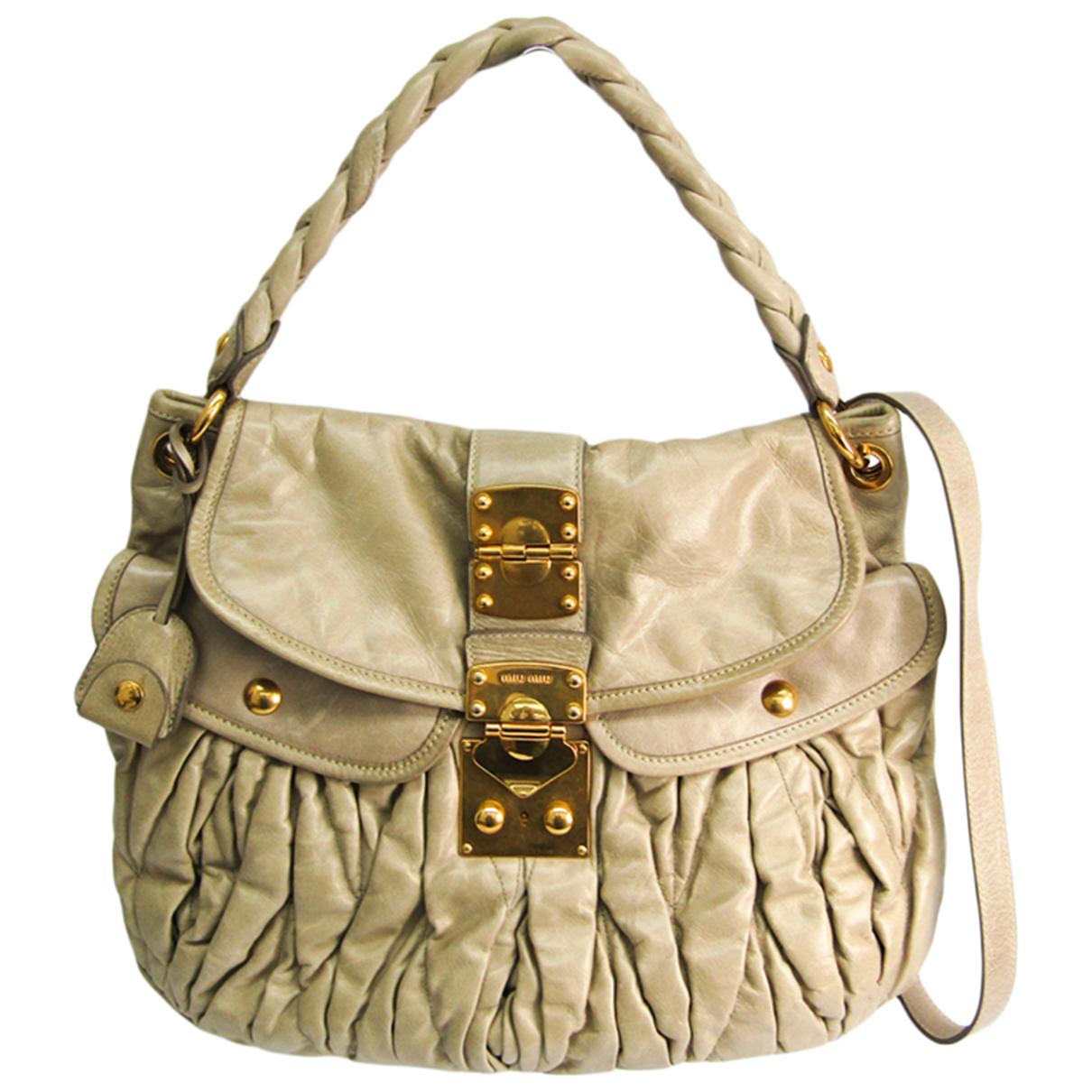 Miu Miu \N Handtasche in  Ecru Leder