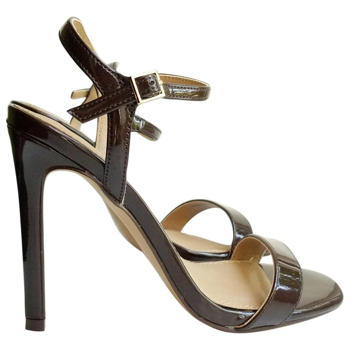 Asos \N Sandalen in  Braun Kunststoff