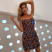 D&M vestido con malla fruncido con estampado de mariposa de leopardo