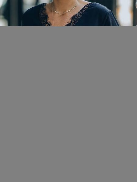 Milanoo Tops blanco blusa para las mujeres de poliester con cuello en V larga clasica de la manga de soplo