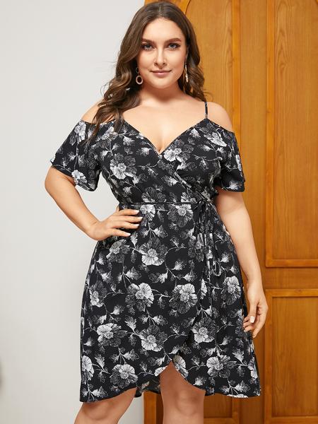 YOINS Plus Size Black Floral Print Cold Shoulder Short Sleeves Dress