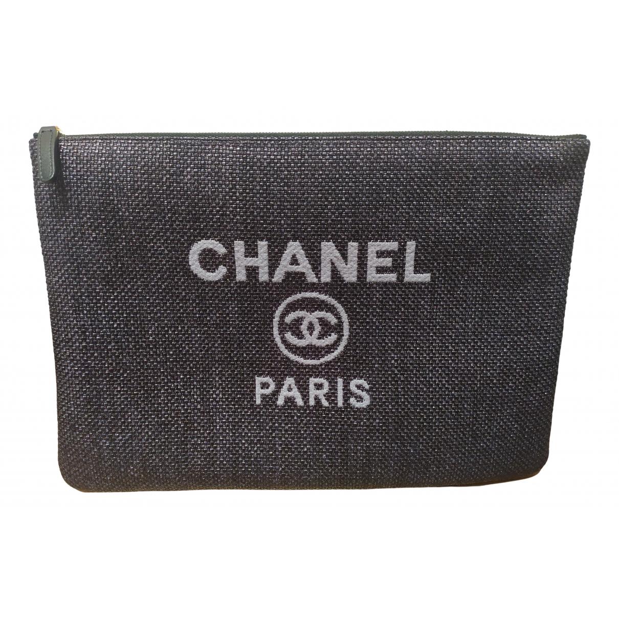 Chanel Deauville Clutch in  Blau Leinen