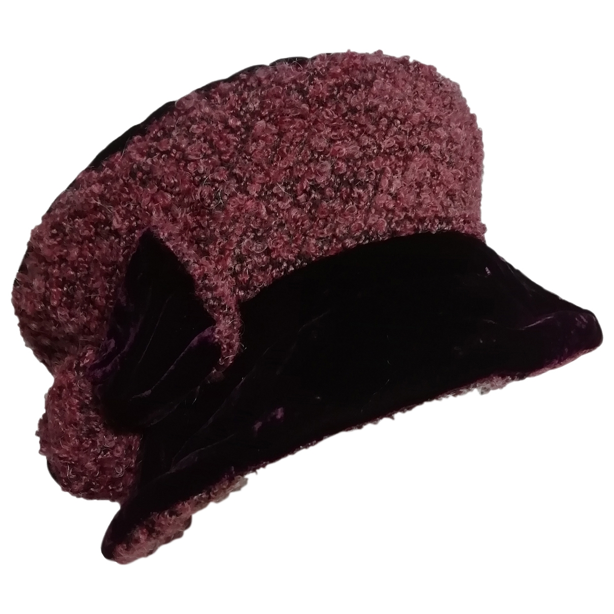 Non Signé / Unsigned \N Purple hat for Women 22.8 Inches