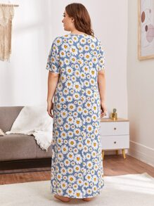 Plus Daisy Floral Print Button Front Pocket Detail Nightdress