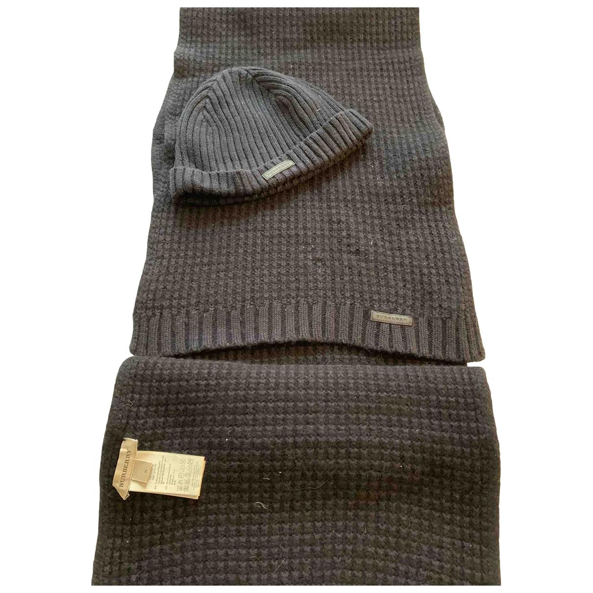 Burberry \N Halstuecher, Schal in  Marine Wolle
