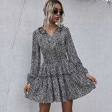 A-Linie Kleid mit Muster und geraffter Taille