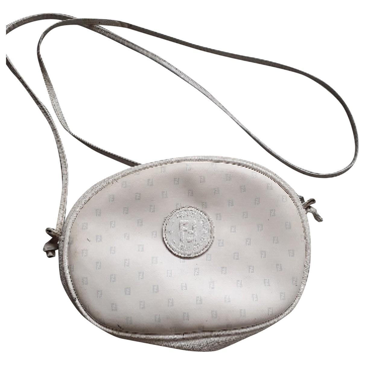 Fendi \N Handtasche in  Weiss Leinen
