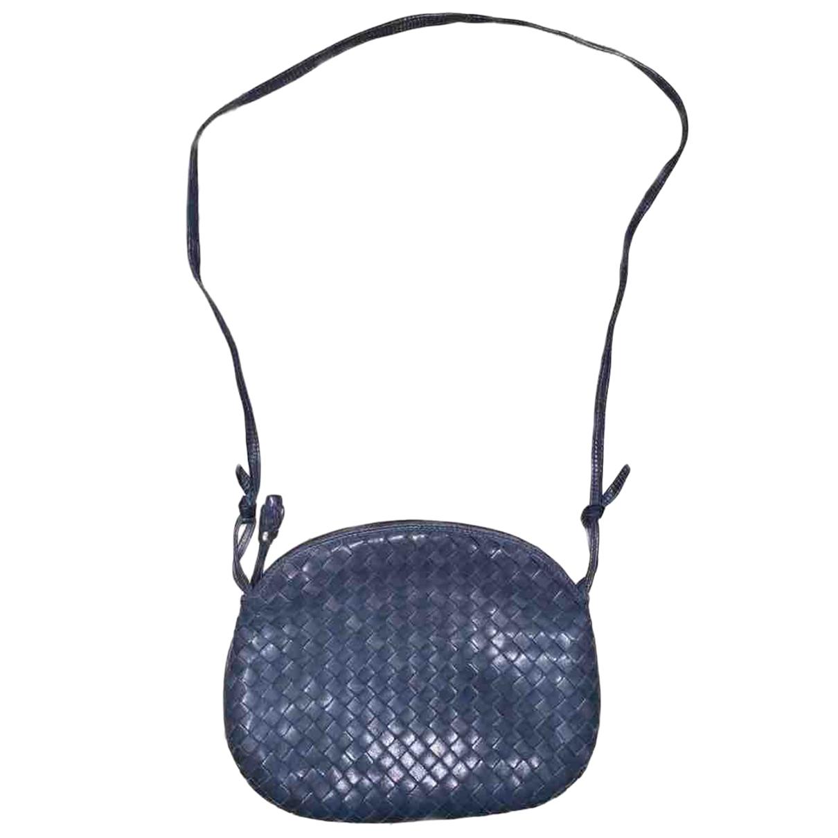 Bottega Veneta \N Blue Leather handbag for Women \N