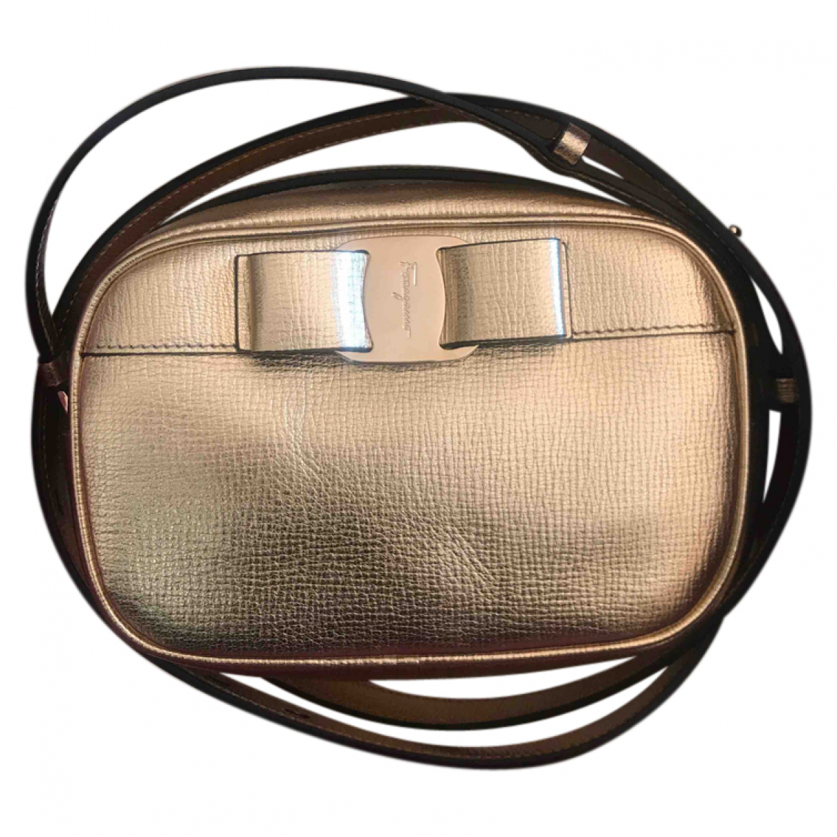 Salvatore Ferragamo Vara Clutch in  Gold Leder