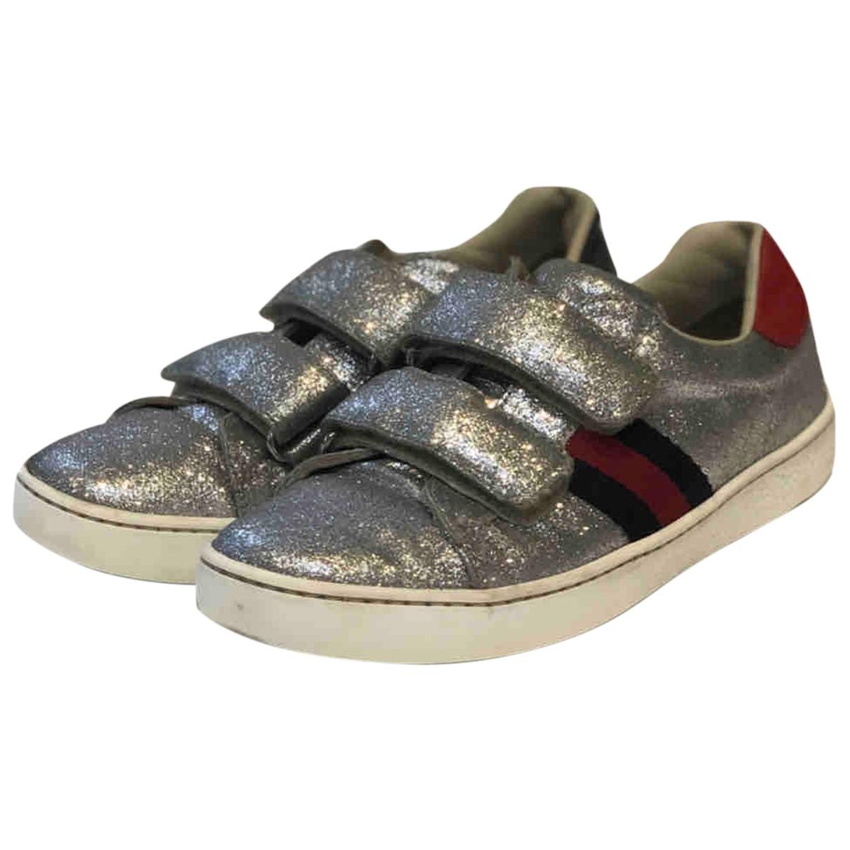 Gucci \N Sneakers in  Silber Leder