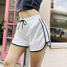 MeysiKim Sports Shorts mit Kordelzug um die Taille und Kontrast Bindung