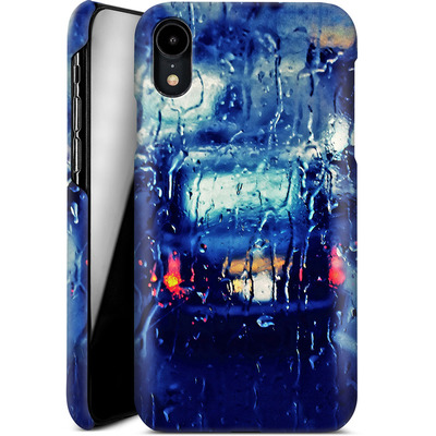 Apple iPhone XR Smartphone Huelle - London Taxi In The Rain von Ronya Galka