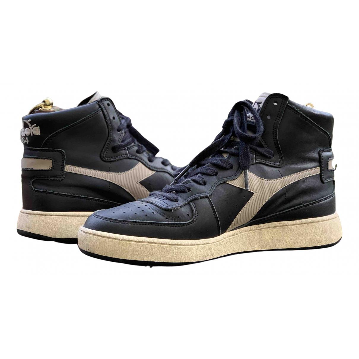 Diadora \N Sneakers in  Schwarz Leder