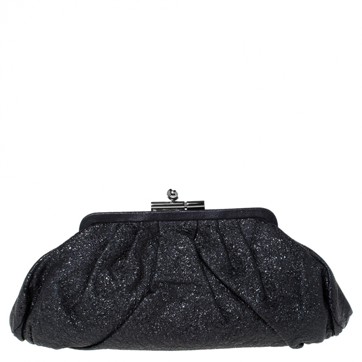 Chanel \N Clutch in  Schwarz Leder