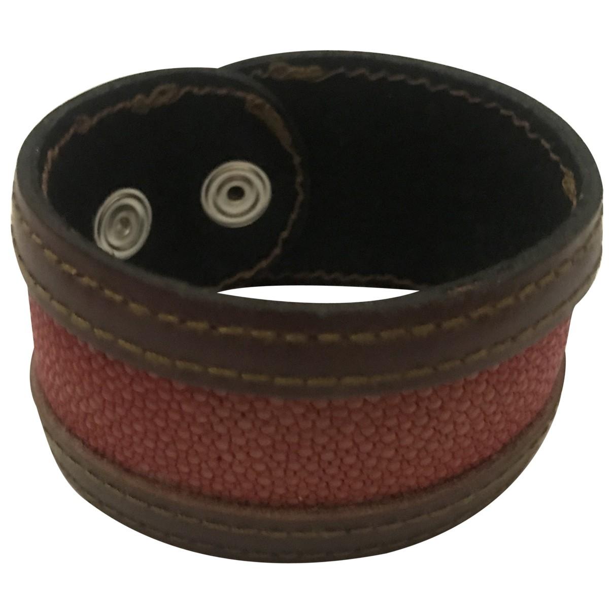 Non Signé / Unsigned Manchette Red Stingray bracelet for Women \N