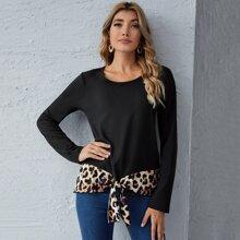 T-Shirt mit Band am Saum und Leopard Muster