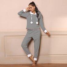 Conjunto de pijama con capucha con pompom