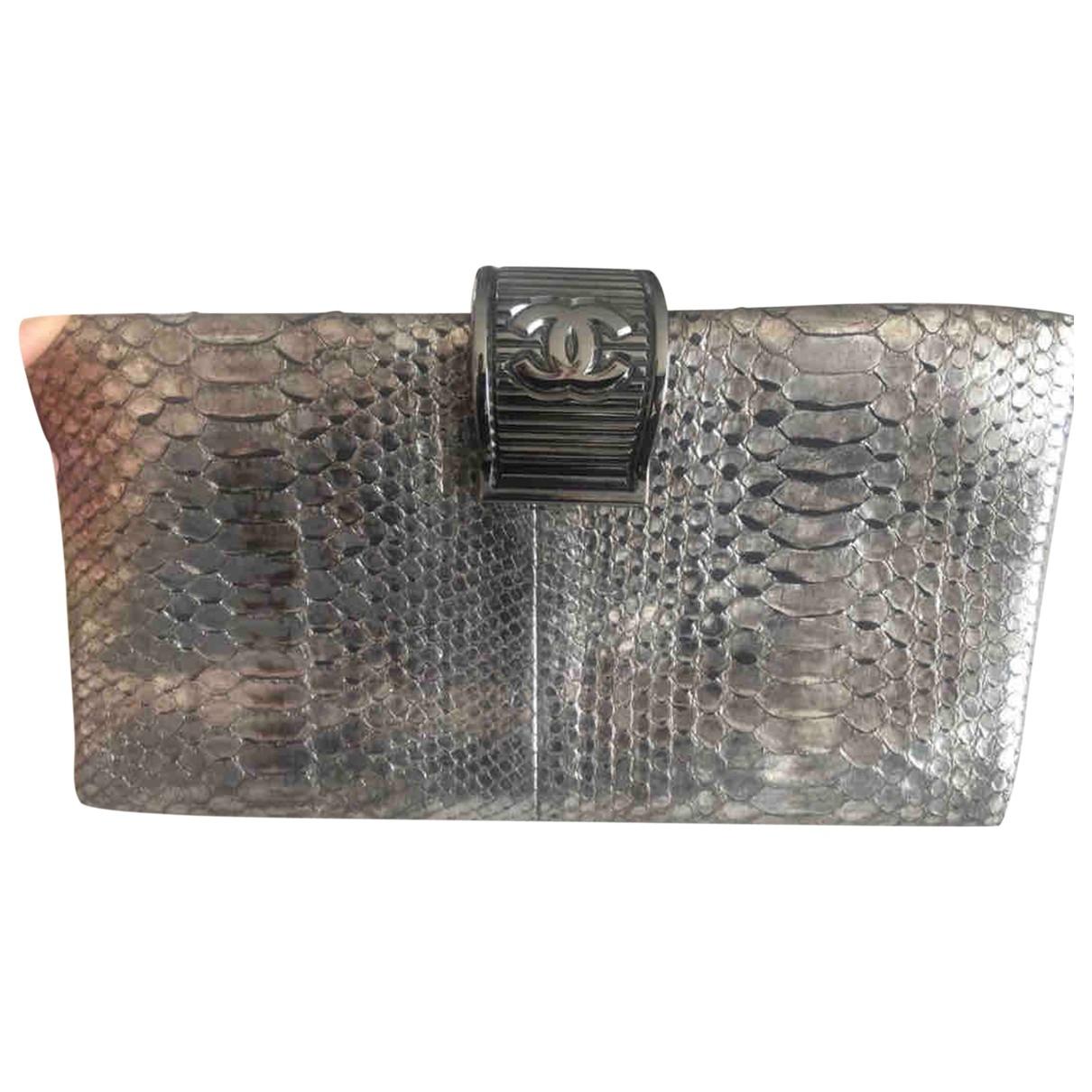 Chanel - Pochette   pour femme en python - argente