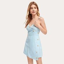 Cami Kleid mit Wickel Design und Knopfen