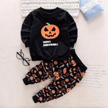 Sweatshirt mit Halloween Muster und Jogginghose