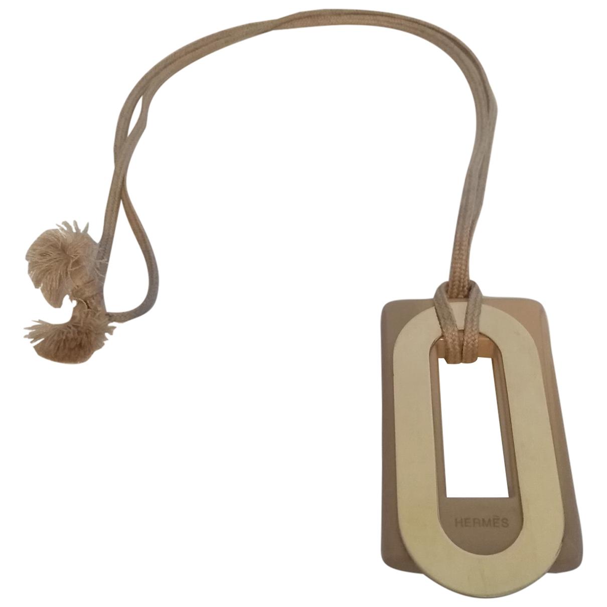 Hermes \N Anhaenger in  Beige Metall