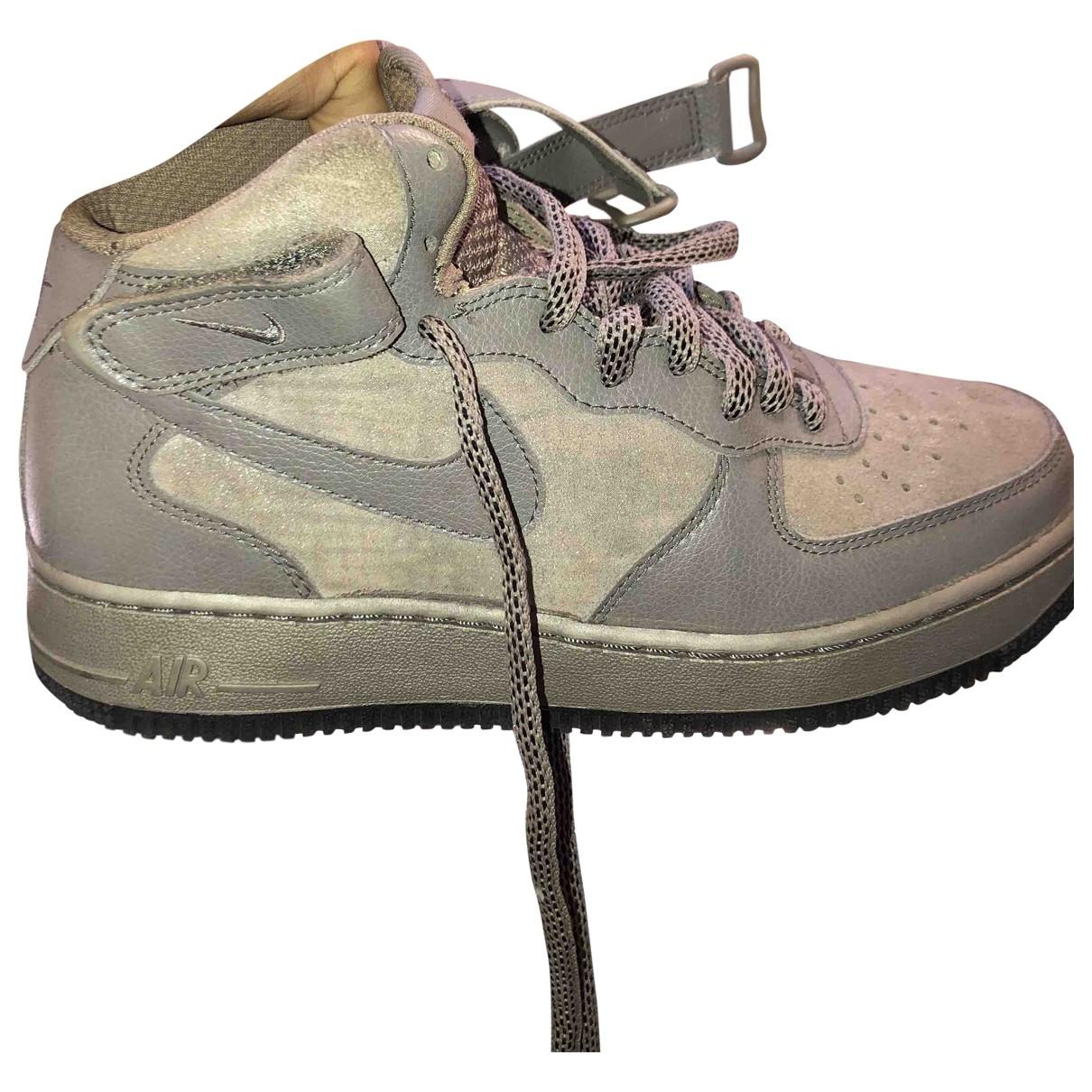 Nike Air Force 1 Sneakers in Lackleder