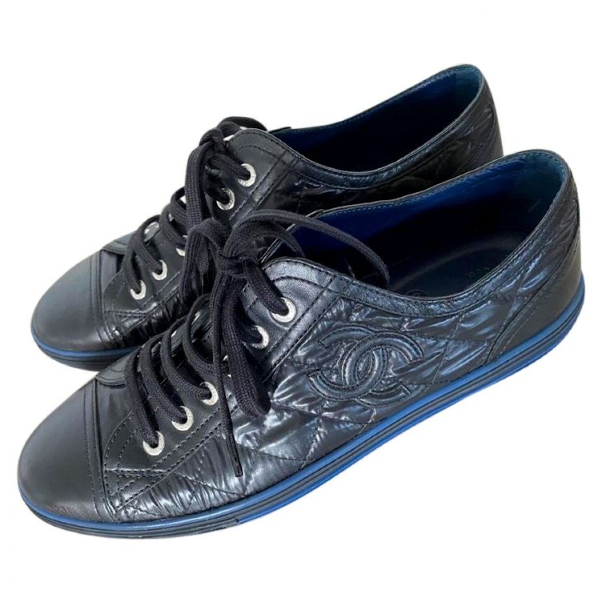 Chanel \N Sneakers in  Schwarz Leder