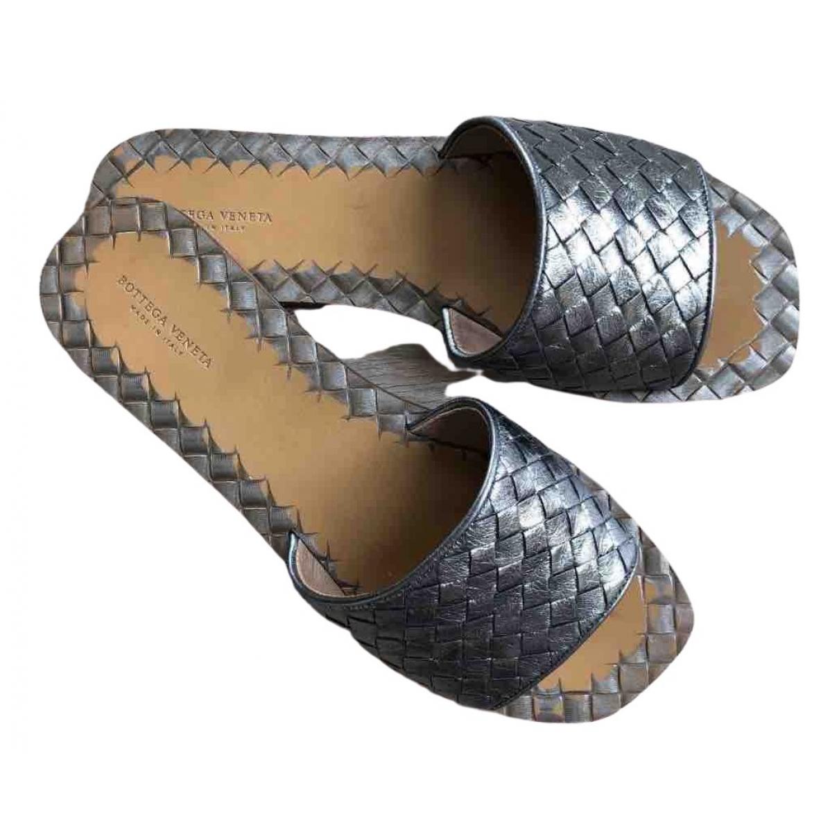 Bottega Veneta - Sandales   pour femme en cuir - gris
