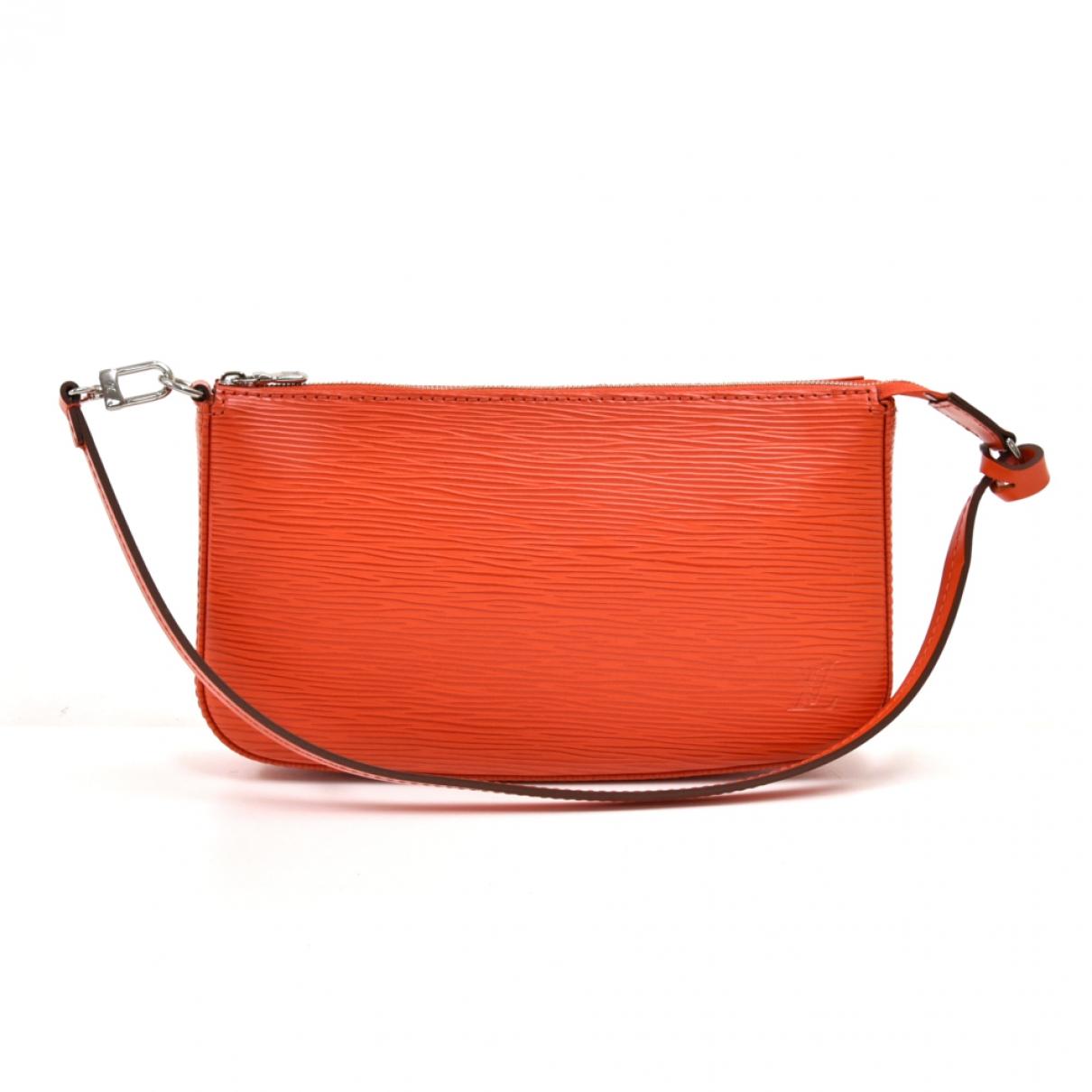 Louis Vuitton Pochette Accessoire Clutch in  Orange Leder