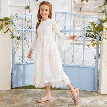 Maedchen Kleid mit Schosschenaermeln, Stickereien und Netzstoff