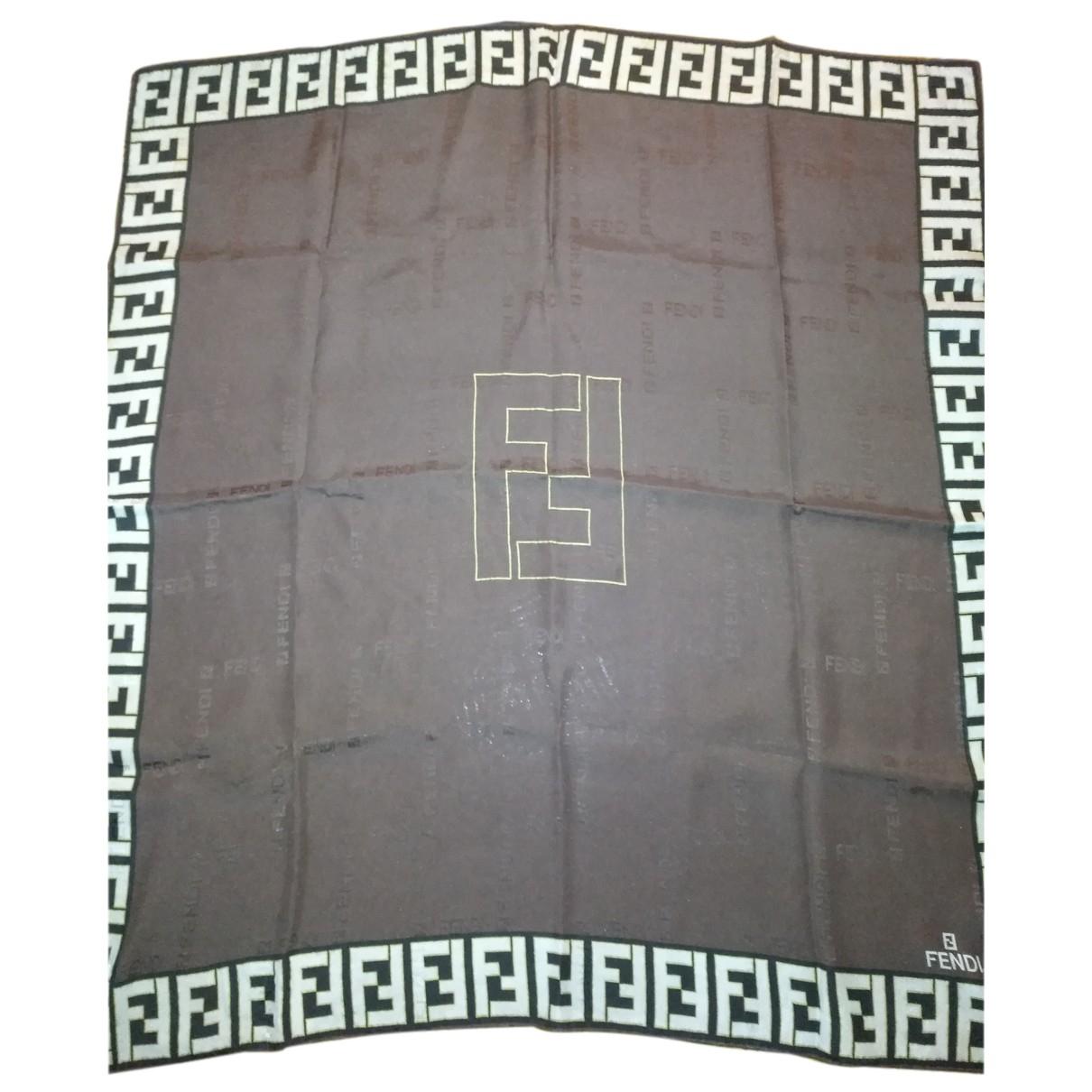 Pañuelo de Seda Fendi