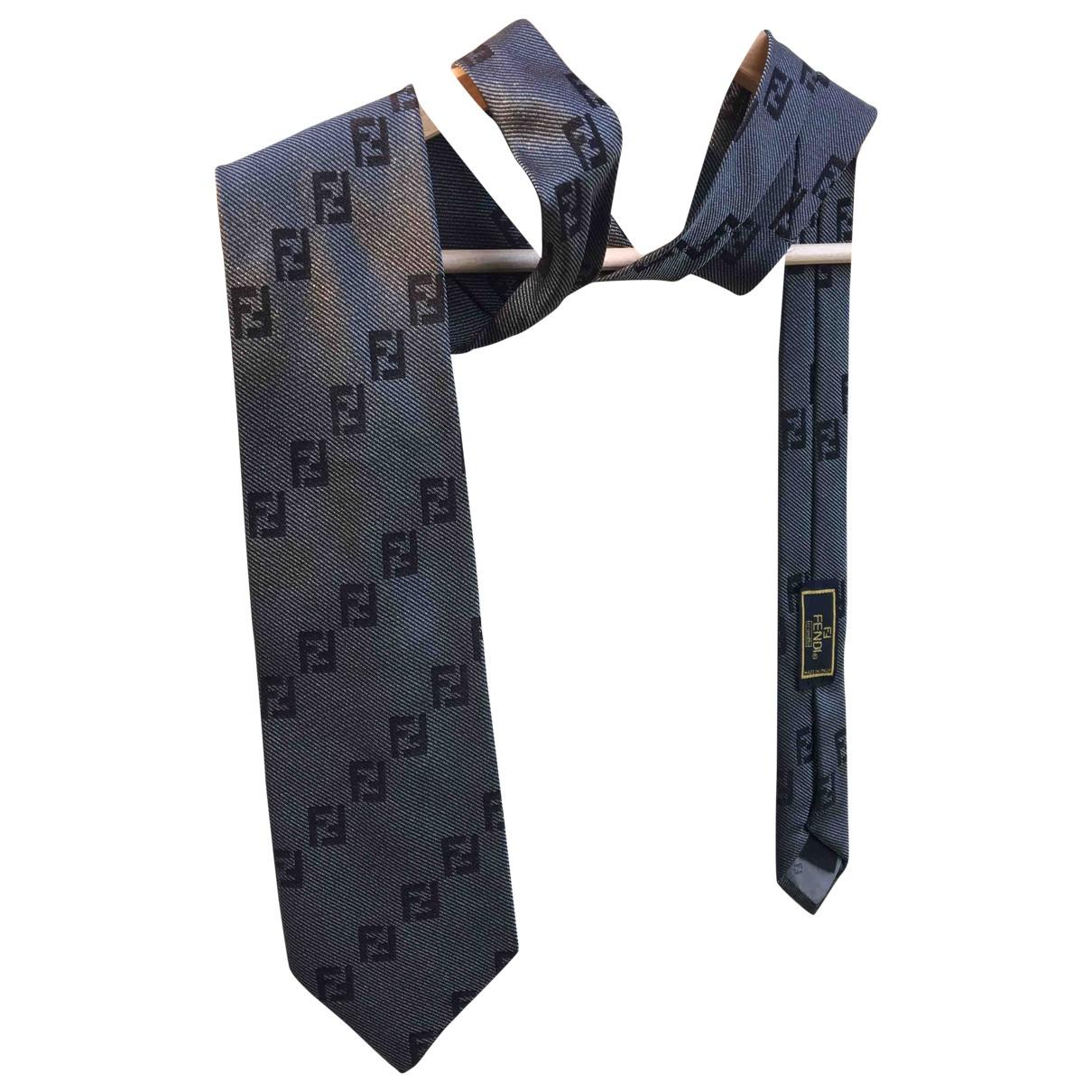 Fendi \N Krawatten in  Grau Seide