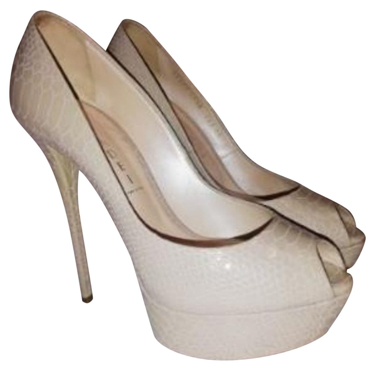 Casadei \N Pumps in  Beige Leder