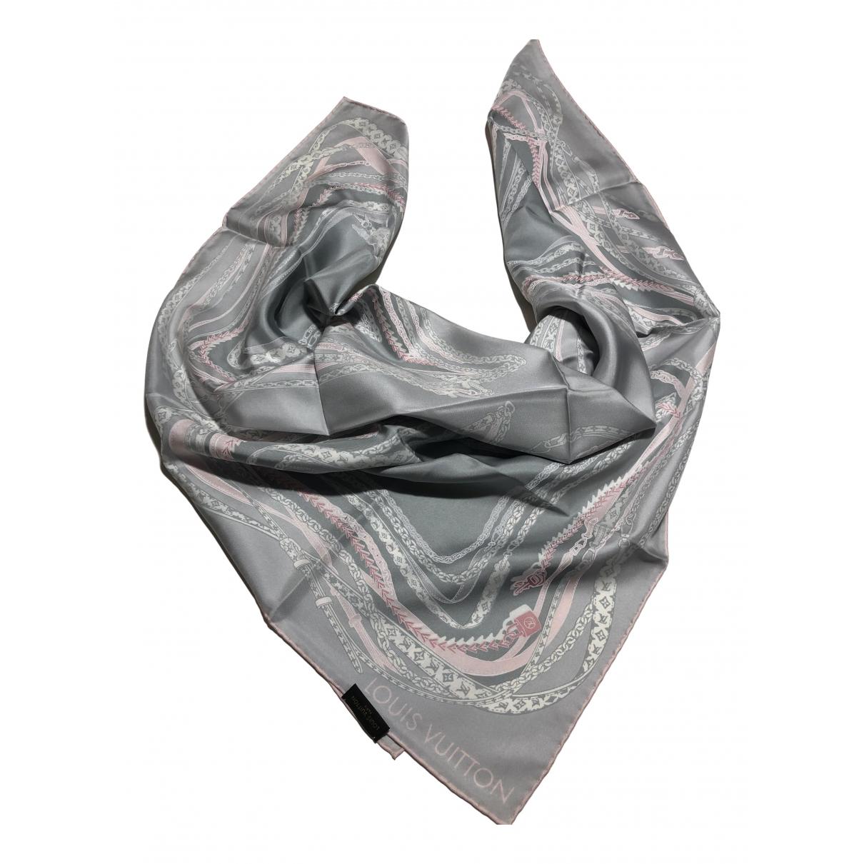 Louis Vuitton \N Schal in  Bunt Seide