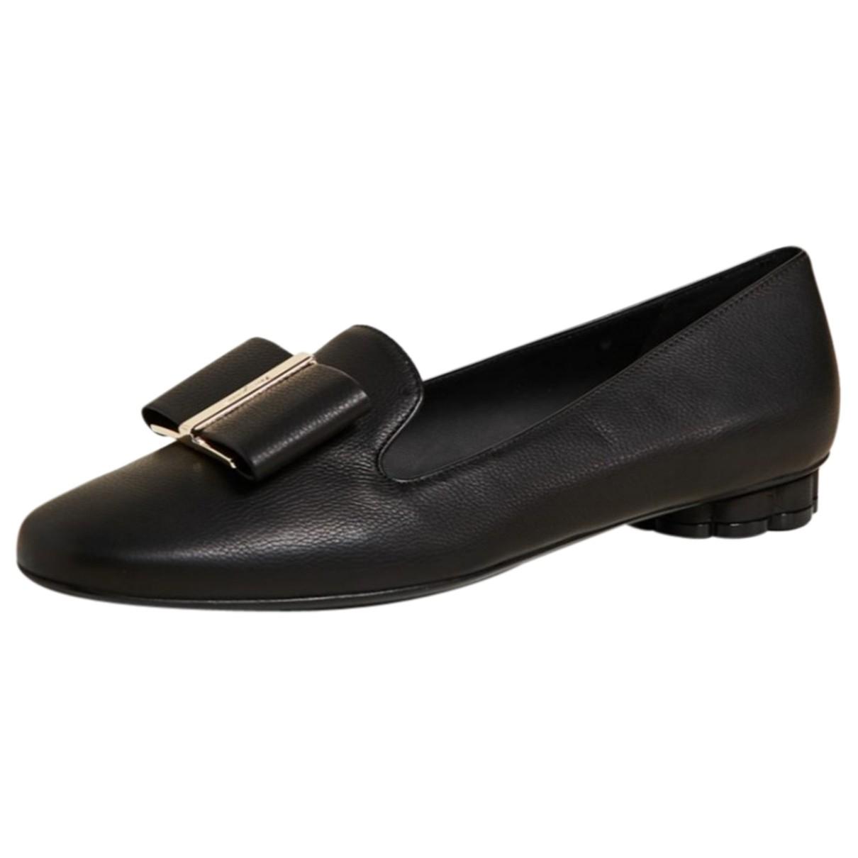 Salvatore Ferragamo N Black Leather Flats for Women 36 EU