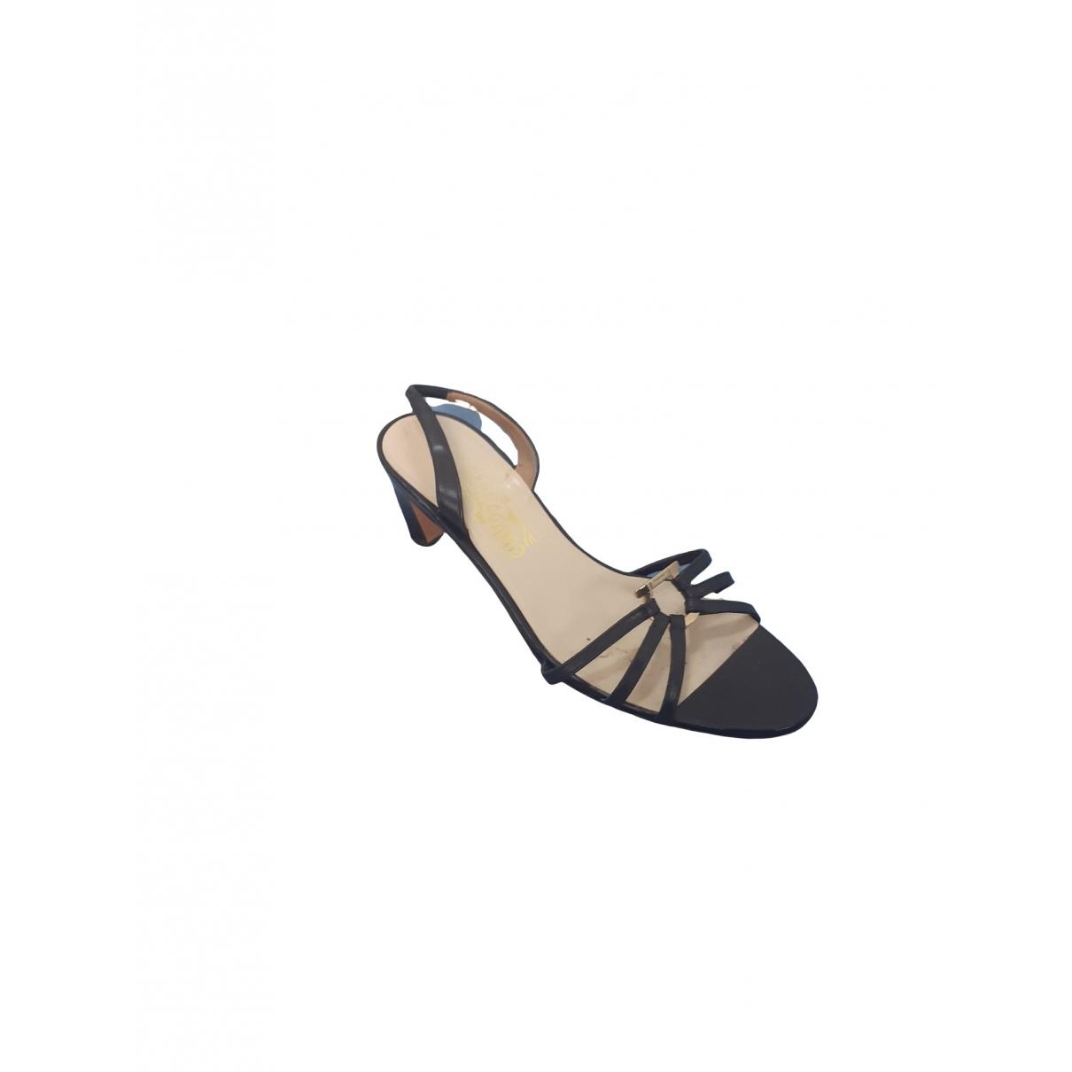Sandalias de Cuero Salvatore Ferragamo