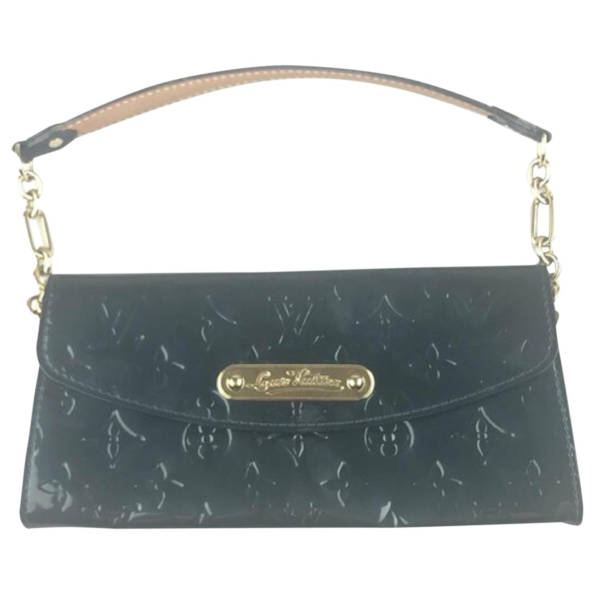 Louis Vuitton \N Clutch in  Gruen Lackleder